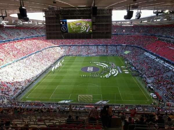 Allianz Arena, secção: 340, fila: 20, lugar: 12