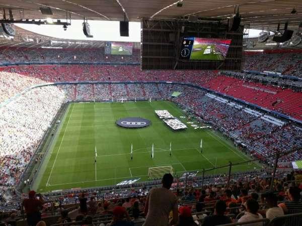Allianz Arena, secção: 338, fila: 20, lugar: 18