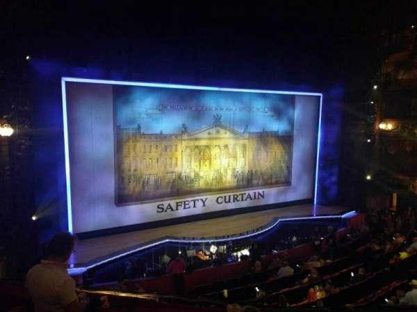 The London Palladium, secção: Royal Circle, fila: d, lugar: 38