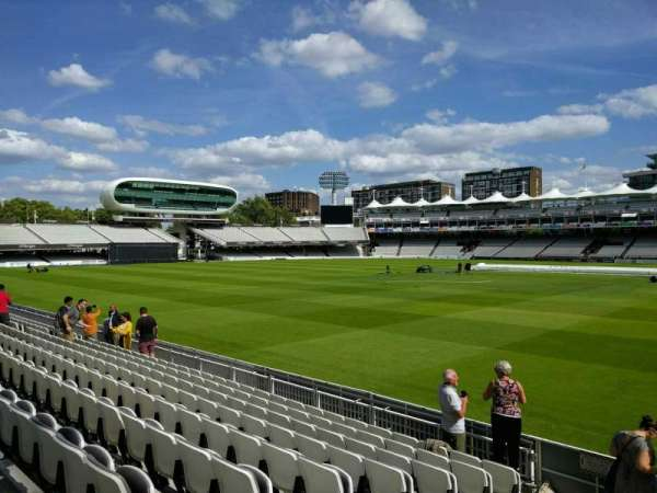 Lord's Cricket Ground, secção: grand stand a, fila: 9, lugar: 38