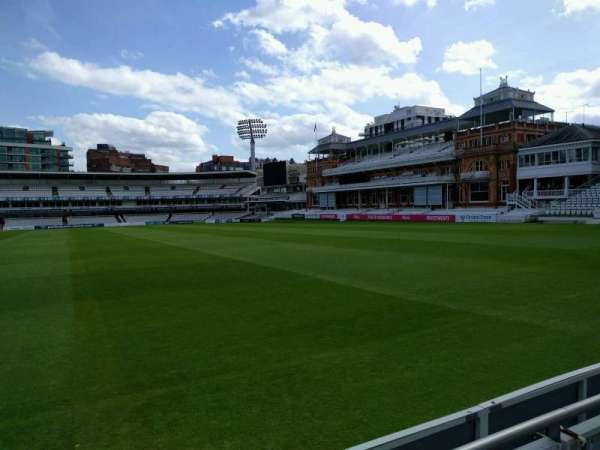 Lord's Cricket Ground, fila: 2, lugar: 30