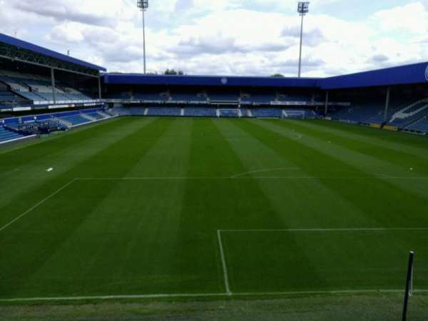 Loftus Road, secção: away, fila: b, lugar: 152