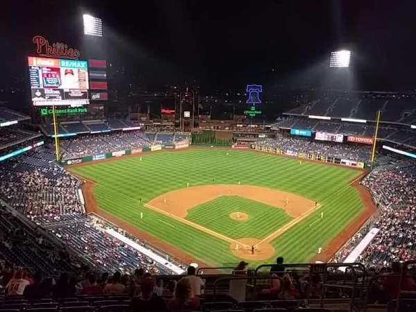 Citizens Bank Park, secção: 422, fila: 16, lugar: 4
