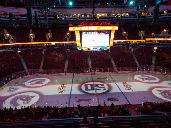 Rogers Arena, secção: 323, fila: 8, lugar: 106