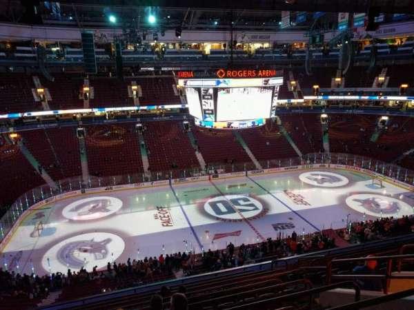Rogers Arena, secção: 324, fila: 11, lugar: 8