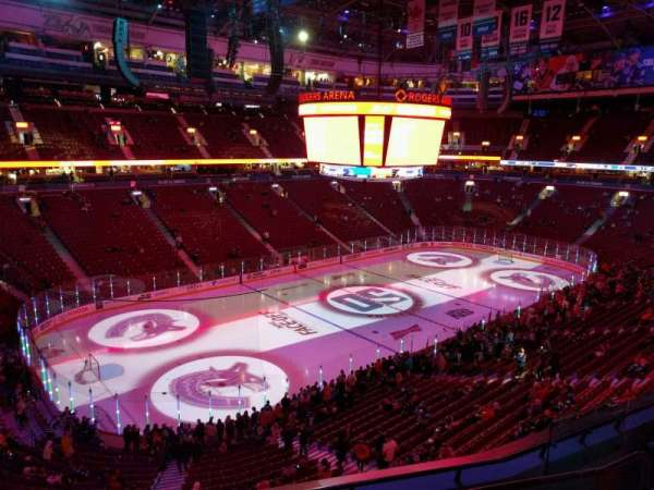 Rogers Arena, secção: 326, fila: 5, lugar: 106