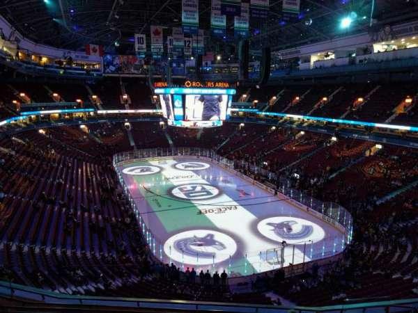 Rogers Arena, secção: 302, fila: 9, lugar: 106