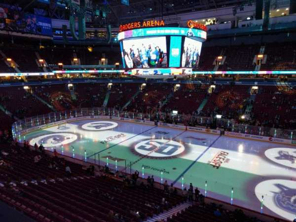 Rogers Arena, secção: 306, fila: 1, lugar: 108