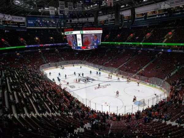 Rogers Arena, secção: 318, fila: 2, lugar: 103