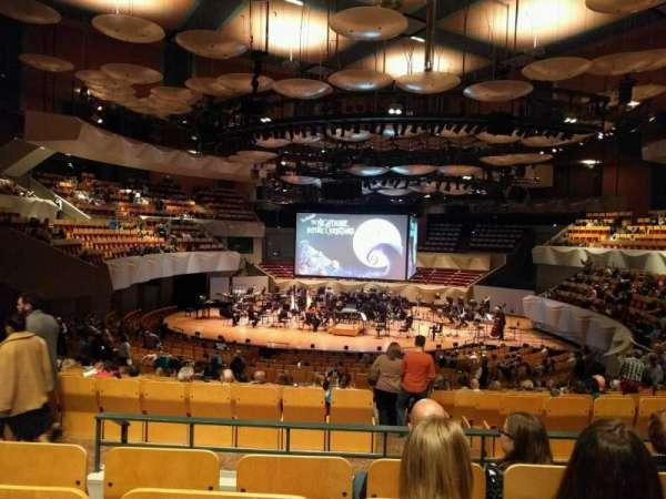 Boettcher Concert Hall, secção: Orchestra 3, fila: v, lugar: 63
