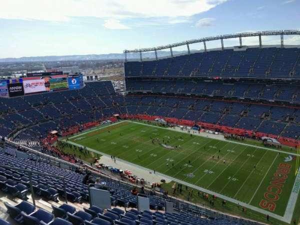 Empower Field at Mile High Stadium, secção: 529, fila: 23, lugar: 17