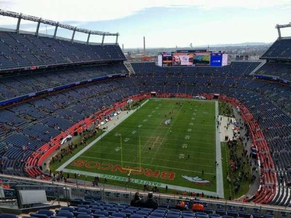 Empower Field at Mile High Stadium, secção: 519, fila: 13, lugar: 20