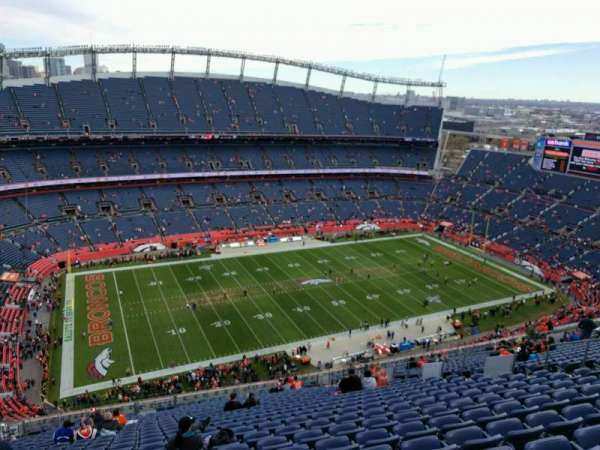 Empower Field at Mile High Stadium, secção: 512, fila: 27, lugar: 17