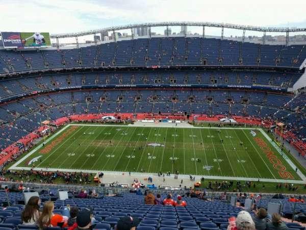Empower Field at Mile High Stadium, secção: 507, fila: 30, lugar: 8