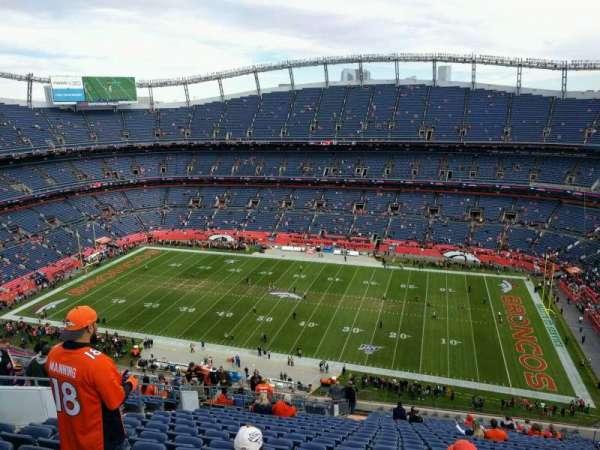 Empower Field at Mile High Stadium, secção: 505, fila: 23, lugar: 17