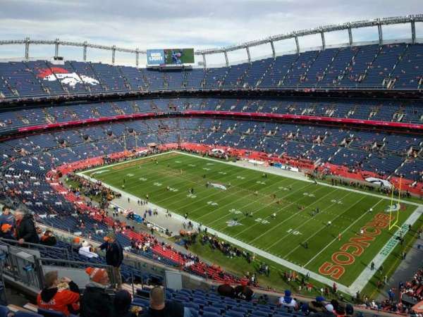 Empower Field at Mile High Stadium, secção: 502, fila: 12, lugar: 13