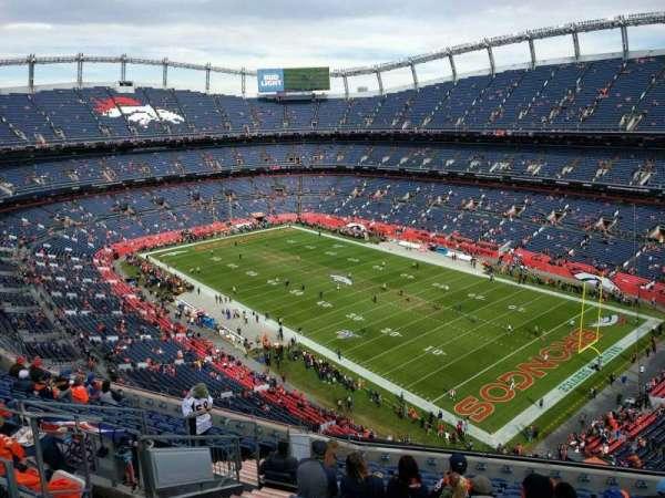 Empower Field at Mile High Stadium, secção: 501, fila: 12, lugar: 13