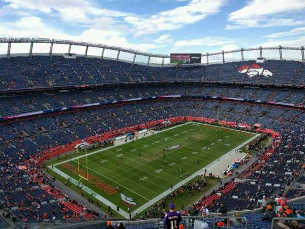Empower Field at Mile High Stadium, secção: 542, fila: 20, lugar: 5