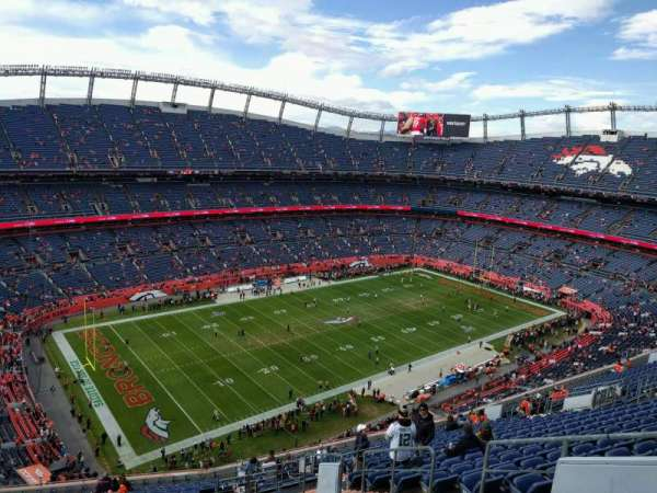 Empower Field at Mile High Stadium, secção: 540, fila: 20, lugar: 6