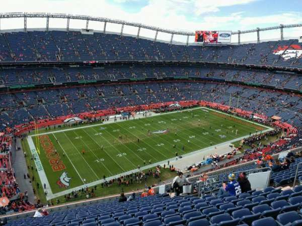 Empower Field at Mile High Stadium, secção: 539, fila: 18, lugar: 14