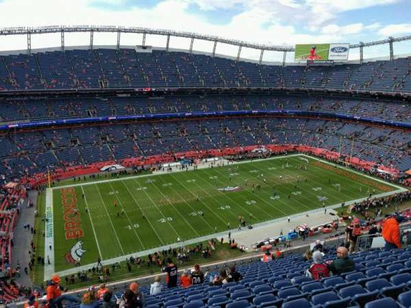 Empower Field at Mile High Stadium, secção: 538, fila: 16, lugar: 21