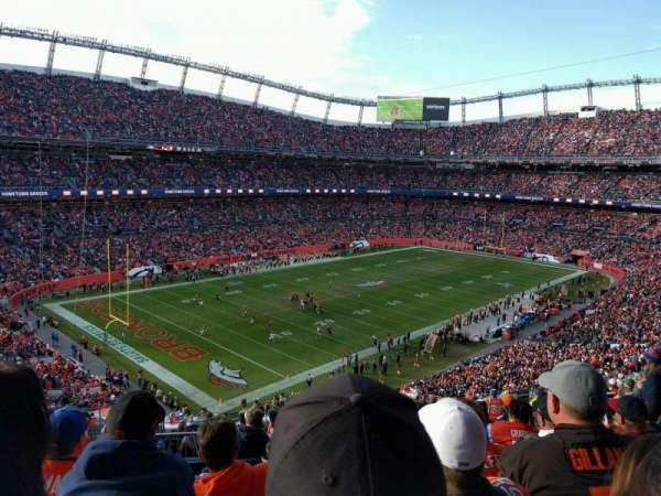 Empower Field at Mile High Stadium, secção: 345, fila: 16, lugar: 15