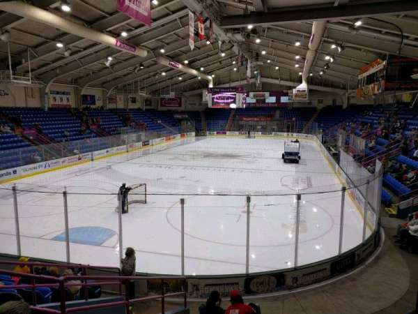 1st Summit Arena, secção: 21, fila: k, lugar: 6