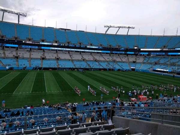 Bank of America Stadium, secção: 318, fila: 8, lugar: 8