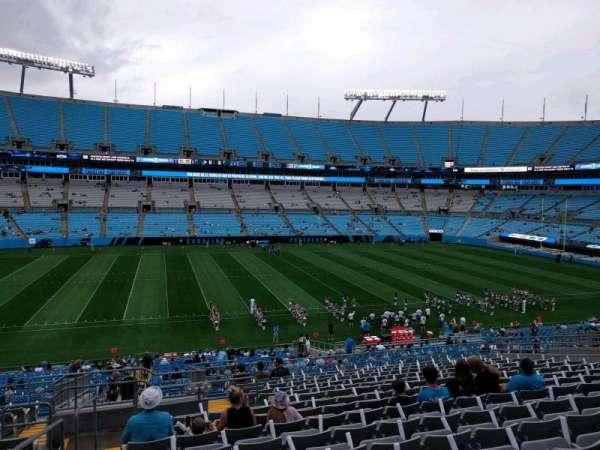 Bank of America Stadium, secção: 318, fila: 18, lugar: 22