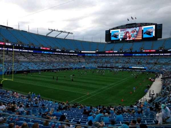 Bank of America Stadium, secção: 235, fila: 1, lugar: 6