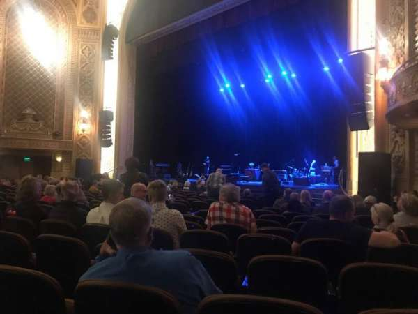 Paramount Theatre (Seattle), secção: MF1, fila: R, lugar: 9
