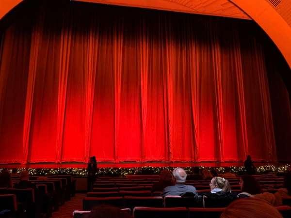 Radio City Music Hall, secção: Orchestra 4, fila: MM, lugar: 412