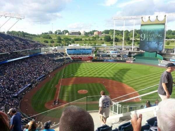 Kauffman Stadium, secção: 427, fila: BB, lugar: 16