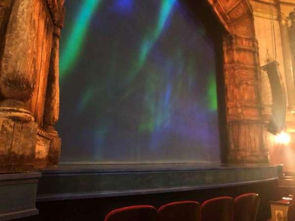 St. James Theatre, secção: ORCHL, fila: C, lugar: 11