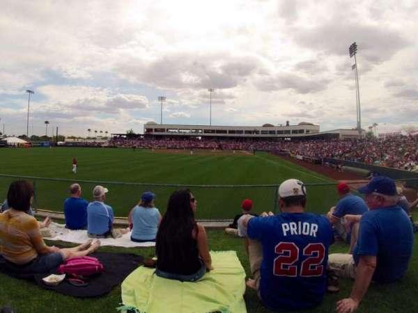 Tempe Diablo Stadium, secção: Lawn, fila: Left Field