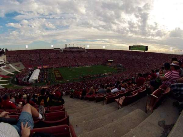 Los Angeles Memorial Coliseum, secção: 325, fila: 21, lugar: 1