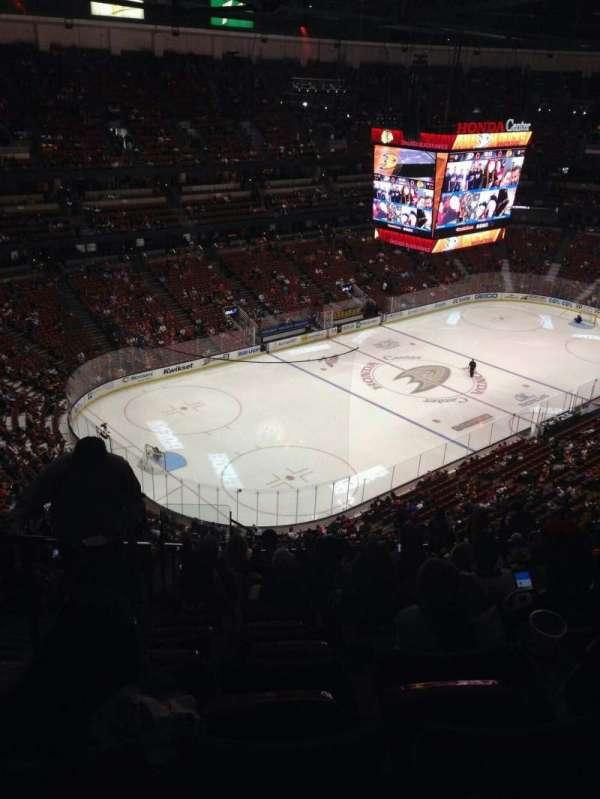 Honda Center, secção: 439, fila: s, lugar: 14