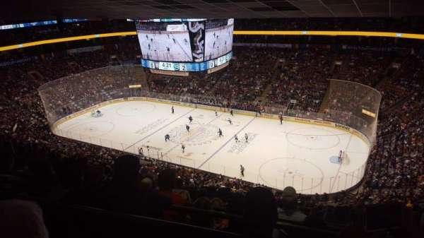 Scotiabank Arena, secção: 307, fila: 16, lugar: 9