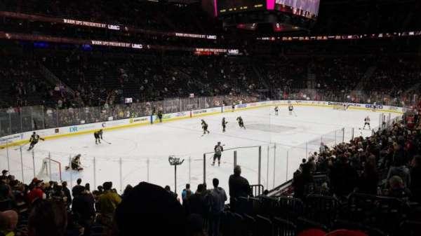T-Mobile Arena, secção: 2, fila: Q, lugar: 19