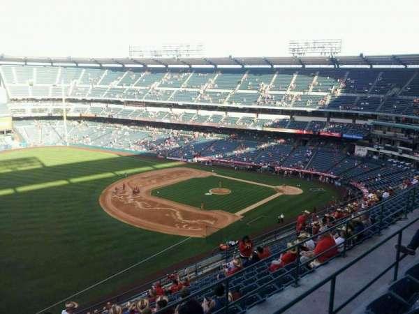 Angel Stadium, secção: V509, fila: C, lugar: 1