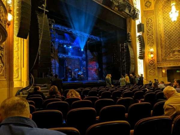 Paramount Theatre (Seattle), secção: MF4, fila: M, lugar: 8