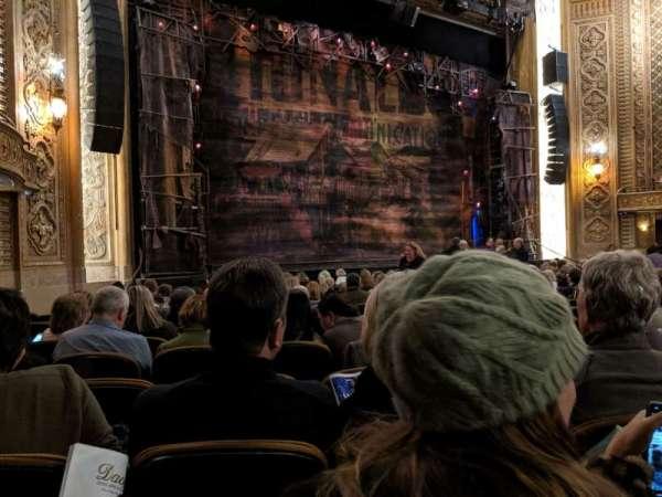 Paramount Theatre (Seattle), secção: Main Floor 4, fila: R, lugar: 5