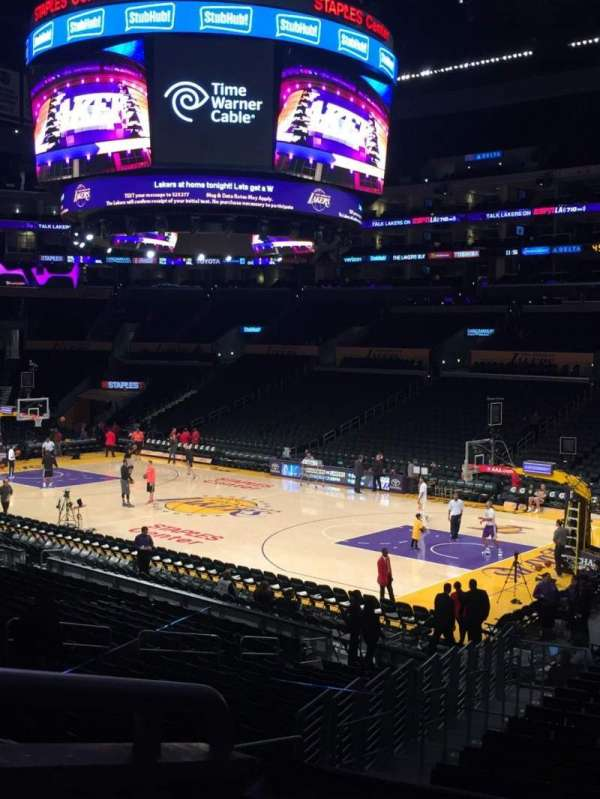 Staples Center, secção: PR11, fila: 2, lugar: 6