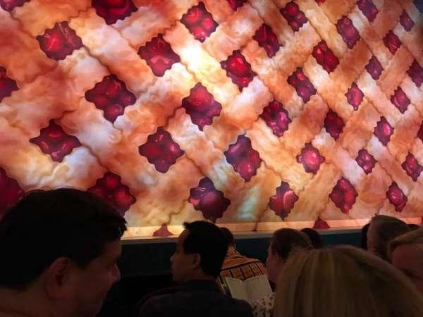 Brooks Atkinson Theatre, secção: Orchestra C, fila: B, lugar: 102