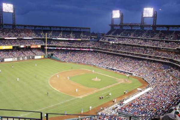 Citizens Bank Park, secção: 431, fila: 3, lugar: 11