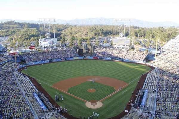 Dodger Stadium, secção: 3td, fila: e, lugar: 17