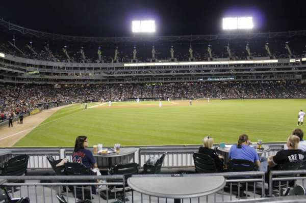 Guaranteed Rate Field, secção: 106, fila: 9, lugar: 17