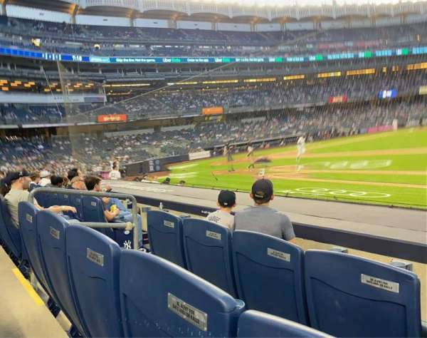 Yankee Stadium, secção: 14B, fila: 6, lugar: 3