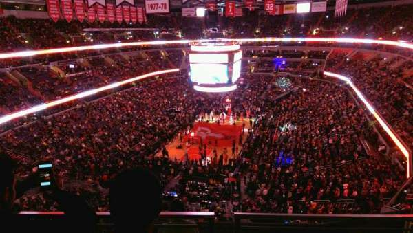 Capital One Arena, secção: 427, fila: G, lugar: 12
