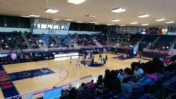 Burr Gymnasium, secção: 3, fila: 10, lugar: 1